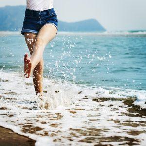 barefoot-1985858_1280